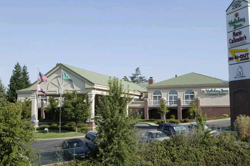 Holiday Inn - Hotels/Accommodations - 120 Grass Valley Hwy, Auburn, CA, 95603