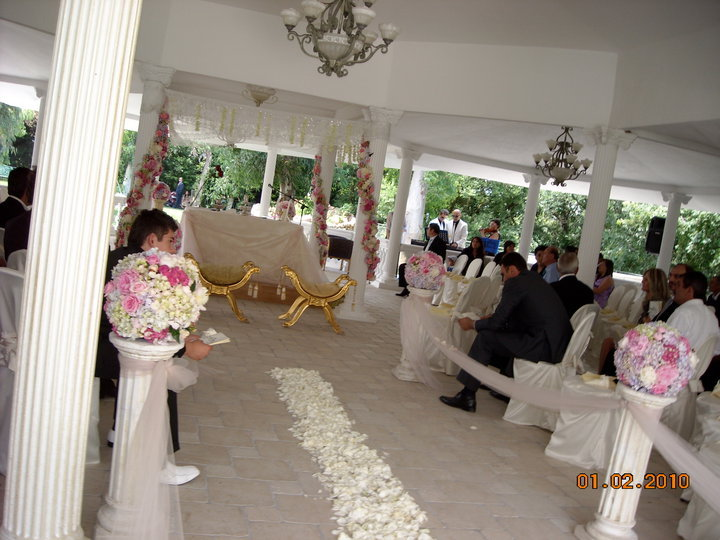 Villa Il Lago Dei Cigni - Ceremony Sites - Via Calopezzati, 860, Roma, Lazio, 00128