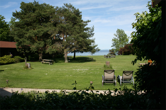 Sunrise Landing - Hotels/Accommodations - 6530 N West-Bay Shore Dr, Northport, MI, 49670