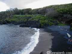 Black Sand Beach - Beaches - Waianapanapa State Park, Hana, Hawaii, US