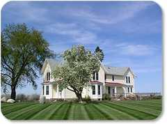 Country Hermitage B&B - Bed & Breakfast/Inn - 7710 U.S. 31, Williamsburg, MI, 49690