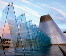 Museum of Glass - Attraction - 1801 Dock St., Tacoma, WA, 98402, USA