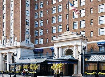 Amway Grand Plaza Hotel - Hotels/Accommodations - 187 Monroe Avenue NW, Grand Rapids, MI, United States
