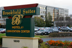 Brookfield Suites Hotel and Convention Center  - Hotel - 1200 S Moorland Rd, Brookfield, WI, 53005