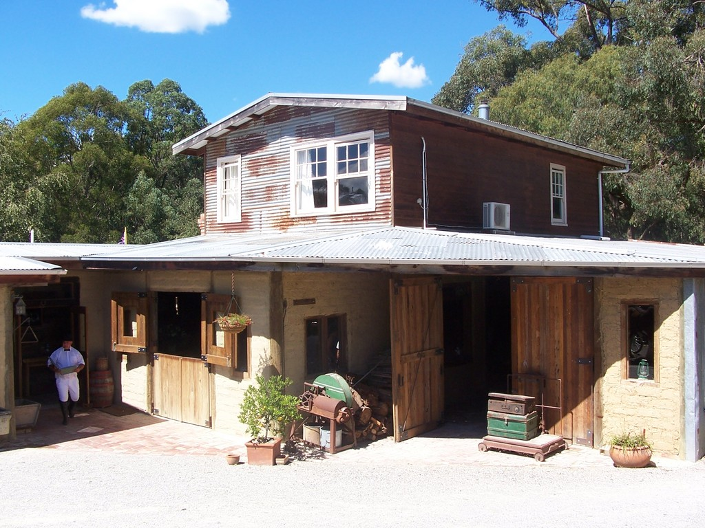 Gum Gully Farm - Reception Sites, Ceremony Sites - 9 Eleanor Dr, Silvan, VIC, 3795