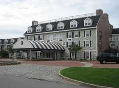 Westford Regency Inn - Hotel - 219 Littleton Road, Westford, MA, US