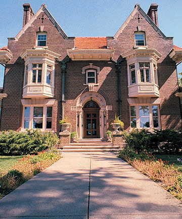 The Renniasance Mansion - Ceremony Sites, Reception Sites - 401 S 39th St, Omaha, NE, 68131
