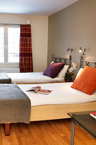 Maude's Hotell - Hotels/Accommodations - Svedmyraplan 3