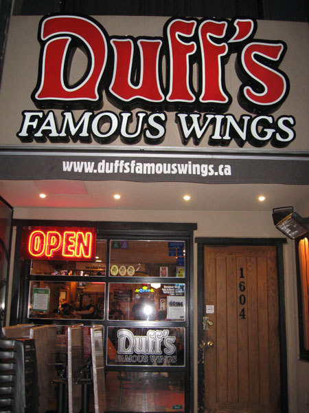 Duff's Wings - Restaurants - 1604 Bayview Ave, Toronto, ON, M4G 3B7, Canada