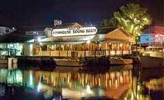 Kelly's Fish House Dining Room - Restaurants - 1302 5th Avenue South, Naples, FL, United States