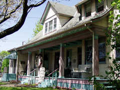 Maggie West B&B - Hotel - 605 Pittsburgh St, Springdale, PA, 15144