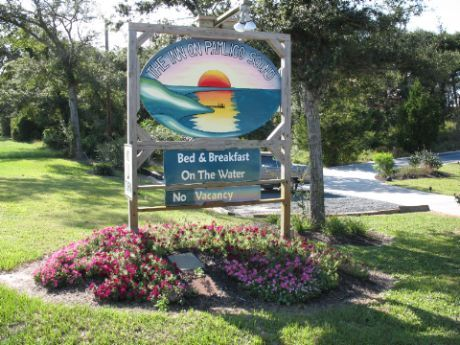 The Inn On Pamlico Sound - Hotels/Accommodations, Ceremony Sites - 49684 NC Highway 12, NC, United States