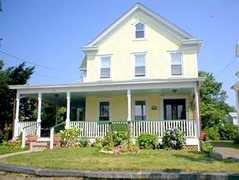 Stirling House Bed & Breakfast - Hotel - 104 Bay Ave, Greenport, NY, United States