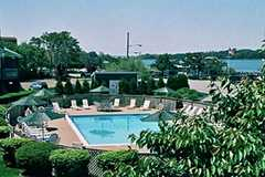 Barons Cove Inn - Hotel - 31 West Water Street, Sag Harbor, NY, United States