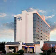 Hilton Waco - Hotel - 113 South University Parks Drive, Waco, TX, 76701, United States