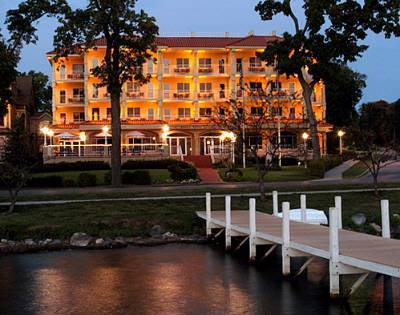 Bella Vista - Hotels/Accommodations, Reception Sites - 335 Wrigley Dr, Lake Geneva, WI, 53147, US