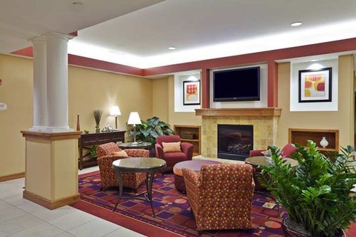 Hilton Garden Inn Lake Forest Mettawa - Hotels/Accommodations - 26225 North Riverwoods Boulevard, Mettawa, IL, United States
