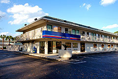 Motel 6 Gulfport - Hotels/Accommodations - 9355 US Highway 49, Gulfport, MS, 39503