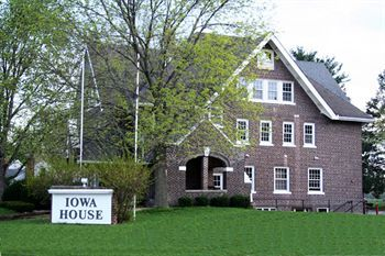 Iowa House Bed & Breakfast - Hotels/Accommodations - 405 Hayward Ave, Ames, IA, United States