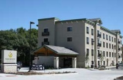 Parkwood Inn & Suites - Hotels/Accommodations - 505 South 17th Street, Manhattan, KS, United States