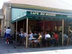 Cafe du Monde - Restaurant - 800 Decatur Street, New Orleans, LA, 70116, USA