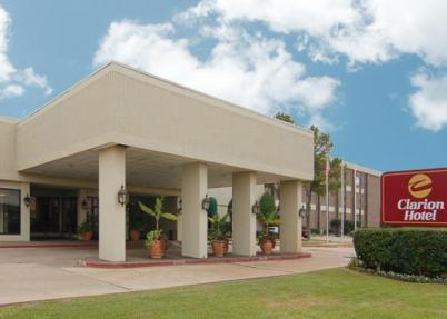 Clarion Hotel - Hotels/Accommodations - 1419 East 70th Street, Shreveport, LA, United States