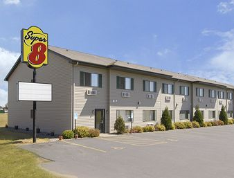 Super 8 - Hotels/Accommodations - 1561 Dorset Lane & Hwy 65 South, New Richmond, WI, 54017