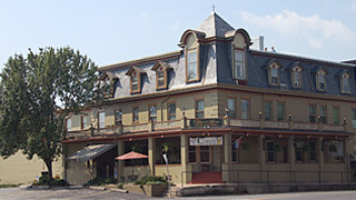 Underside Pub & Eatery - Restaurants - 20 West King Street, Abbottstown, PA, United States
