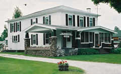 Terry Lodge - Accommodations  - 2925 W Shore Rd, Isle la Motte, VT, 05463