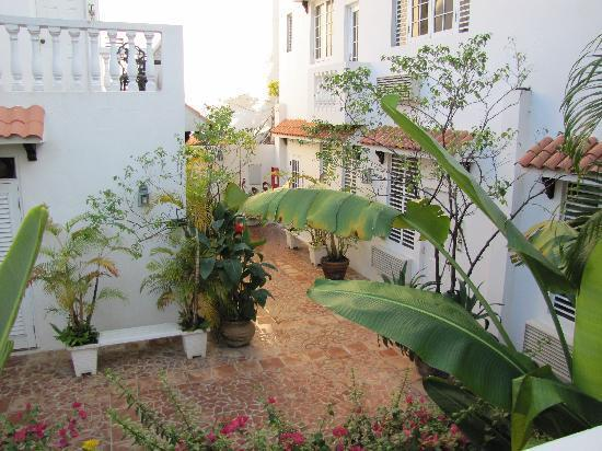 At Wind Chimes Inn - Hotels/Accommodations - 1750 Cll McLeary, San Juan, Puerto Rico