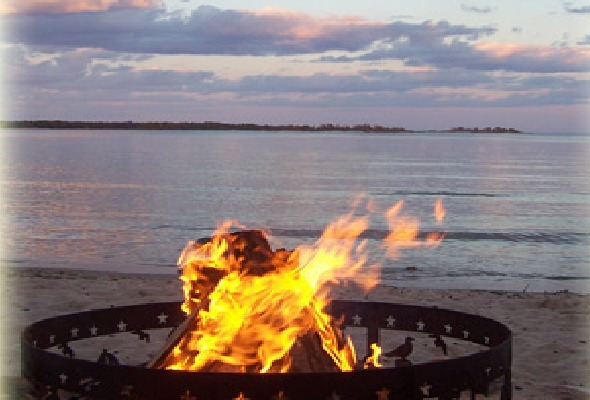 Beachfront Inn Baileys Harbor - Hotels/Accommodations, Ceremony Sites - 8040 Wisconsin 57, Baileys Harbor, WI, United States