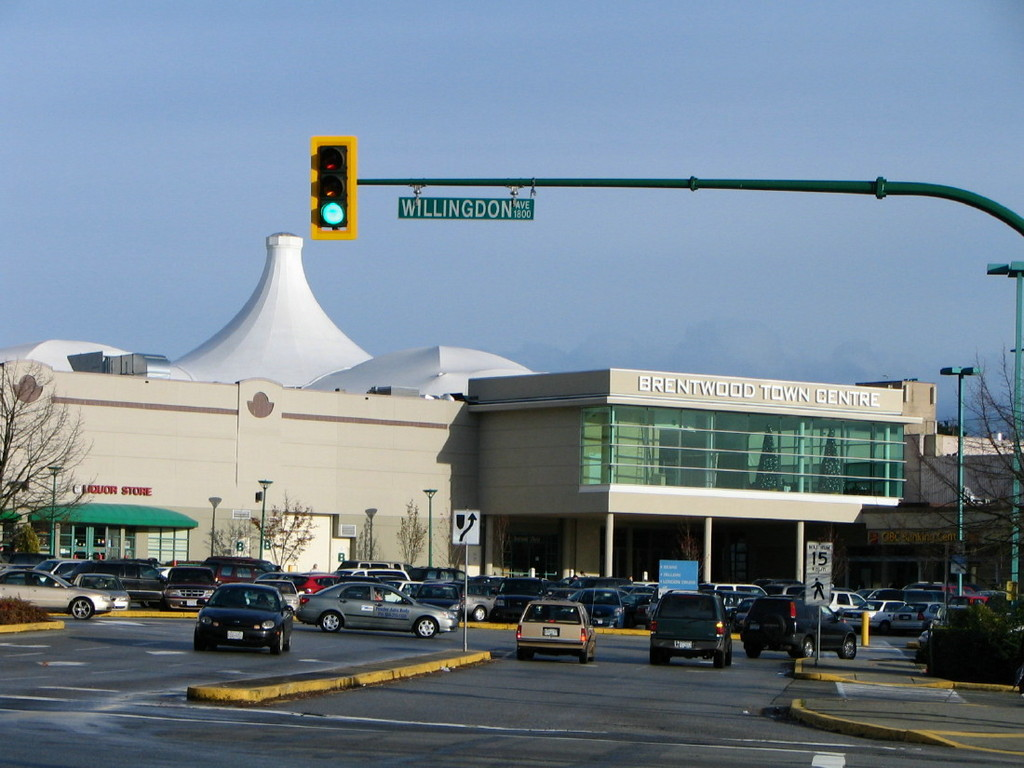 Brentwood Town Centre - Shopping - 4567 Lougheed Highway, Burnaby, BC, Canada