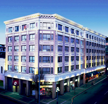 Best Western Plus Carlton Plaza Hotel - Hotels/Accommodations - 642 Johnson St, Victoria, BC, V8W 2B2, CA