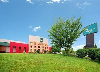 Quality Inn Roanoke Airport - Hotels/Accommodations, Reception Sites - 6626 Thirlane Rd, Roanoke, VA, 24019