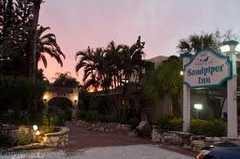Sandpiper Inn - Hotel - 5451 Gulf of Mexico Drive, Longboat Key, FL, United States