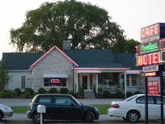 Loveless Cafe - Restaurant - 8400 Highway 100, Nashville, TN, United States