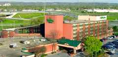 Holiday Inn Burlington Hotel & Conference Centre - Hotel - 3063 South Service Road, Burlington, Ontario, L7N 3E9, Canada