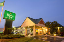 Holiday Inn Vero Beach - Hotels/Accommodations - 3384 Ocean Drive, Vero Beach, FL, United States