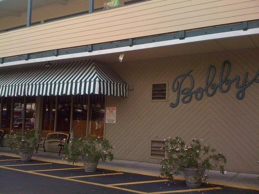 Bobby's Restaurant & Lounge - Restaurants - 3450 Ocean Dr, Vero Beach, FL, United States