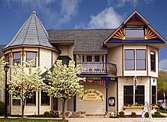 Betsie Bay Inn - Hotels/Accommodations - 231 Main Street, Frankfort, MI, United States