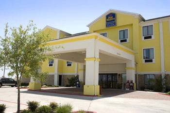 Best Western Schulenburg Inn & Suites - Hotels/Accommodations - 101 Huser Blvd, Fayette, TX, 78956