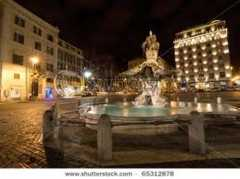 Triton Fountain - ATTRACTIONS/ SITIOS DE INTERES - Piazza Barberini, Rome, Lazio, 00187, Italy