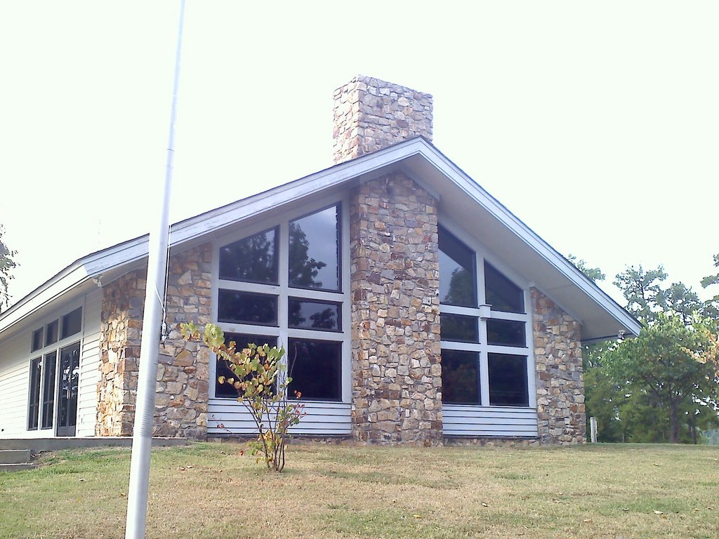 Glass House at Satterwhite Point on Kerr Lake | Wedding ...