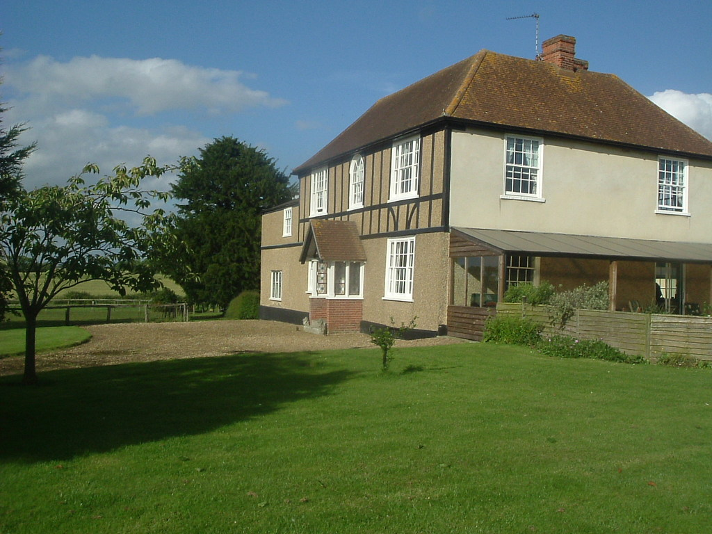 Highfields Farm - Hotels/Accommodations - Highfields Lane, Essex, CO5 9BJ