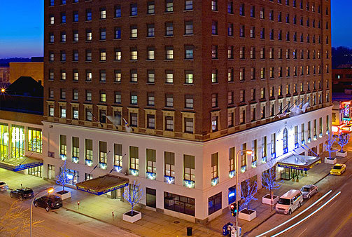 Hotel Pere Marquette - Hotels/Accommodations, Reception Sites, Ceremony Sites - 501 Main St, Peoria, IL, United States
