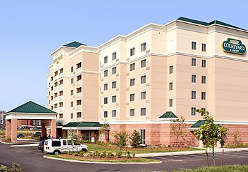 Courtyard By Marriott Mississauga - Hotels/Accommodations - 7015 Century Av, Streetsville, ON, Canada