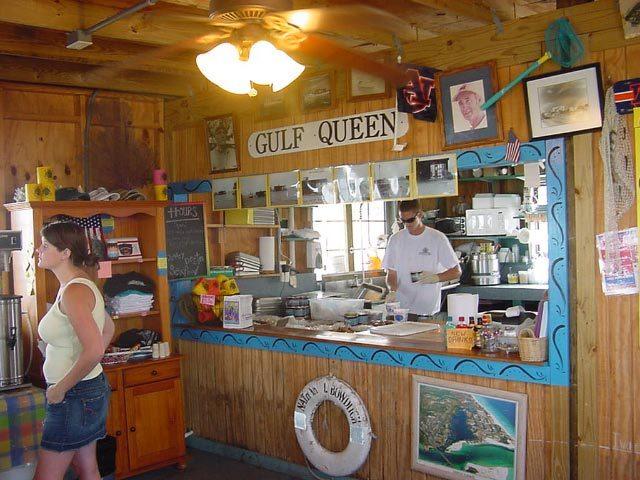 Dewey Destin Seafood Restaurant & Market - Restaurants - 9 Calhoun Avenue, Destin, FL