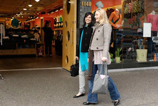 Robson Street - Shopping, Attractions/Entertainment - 1155 Robson St, Vancouver, BC, V6E