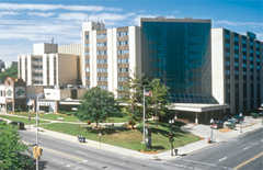 Holiday Inn City Centre - Hotel Accommodations - 500 Hamilton Blvd, Peoria, IL, 61602