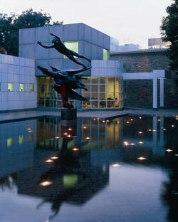 Des Moines Art Center - Attractions/Entertainment, Reception Sites, Photo Sites, Ceremony Sites - 4700 Grand Ave, Des Moines, IA, 50312